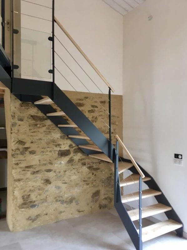escaliers et garde corps mati res grises. Black Bedroom Furniture Sets. Home Design Ideas