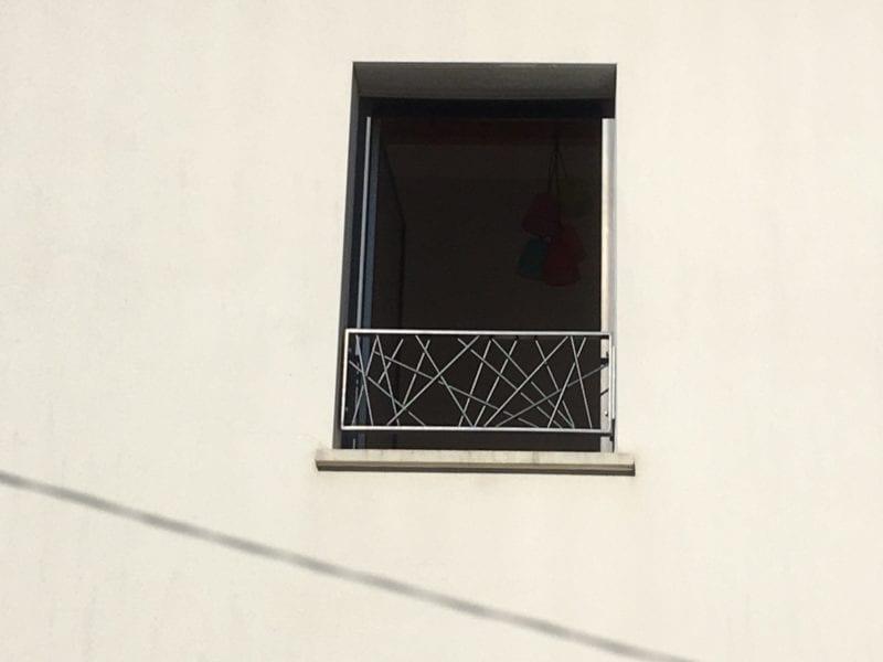 Garde-corps de fenêtre en acier